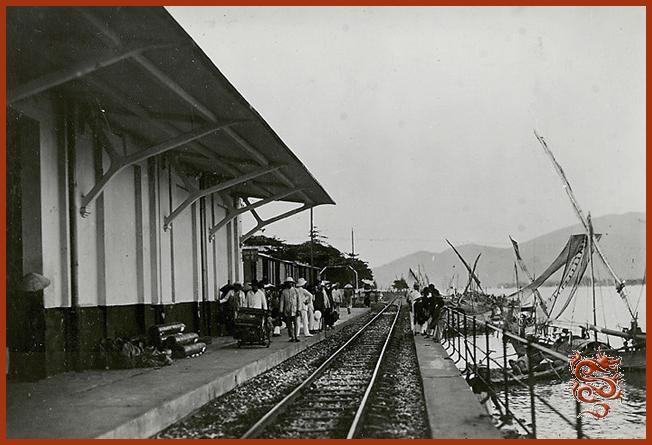 http://saigon-vietnam.fr/indochine/tourane-gare.jpg